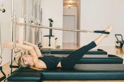 pilates-towers-legs_2015_01.0
